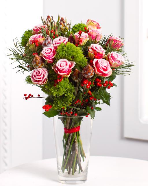 Букет со снежными розами